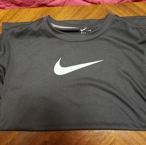 Nike short sleeve mesh shirt
